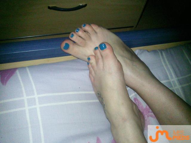 Photo des pieds de Chocolat_noir65