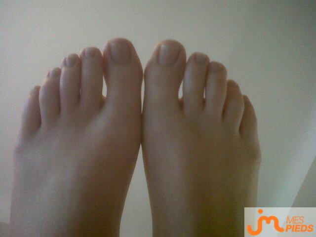 Photo des pieds de Lapine_à_croquer