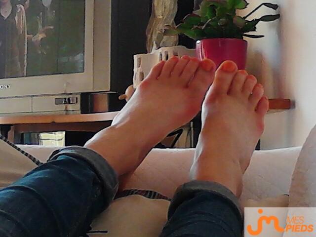 Photo des pieds de Ladylollipop