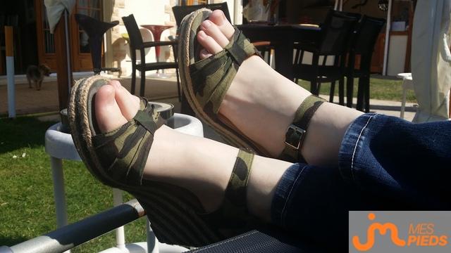 Photo des pieds de Atm77