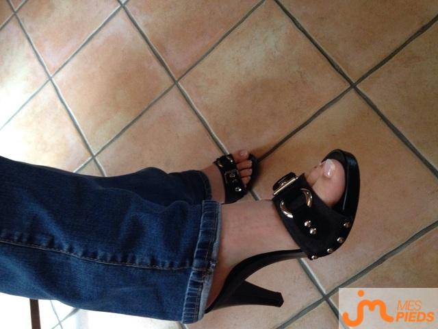 Photo des pieds de Juliesexyheels