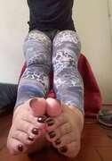 Photos des pieds de Joeflor, elle