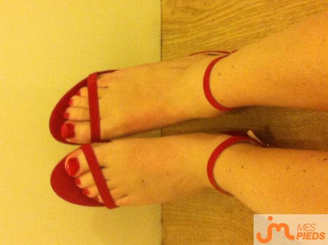 Photo des pieds de Laurencelalilloise