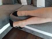 Photos des pieds de Lorraine5400, Petite série en collant couleur chair